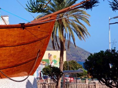 Schiffsbug Barco Santa Maria