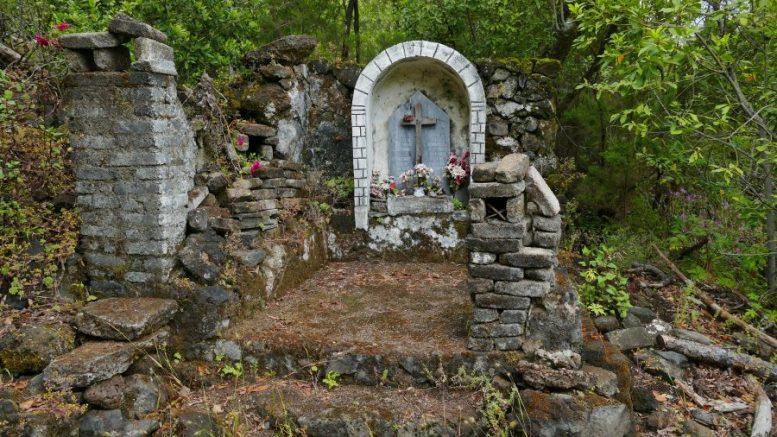 Grabstelle - Grotten