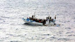 Flüchtlingsboot - Illegale Emigranten