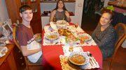Familienessen - Teller