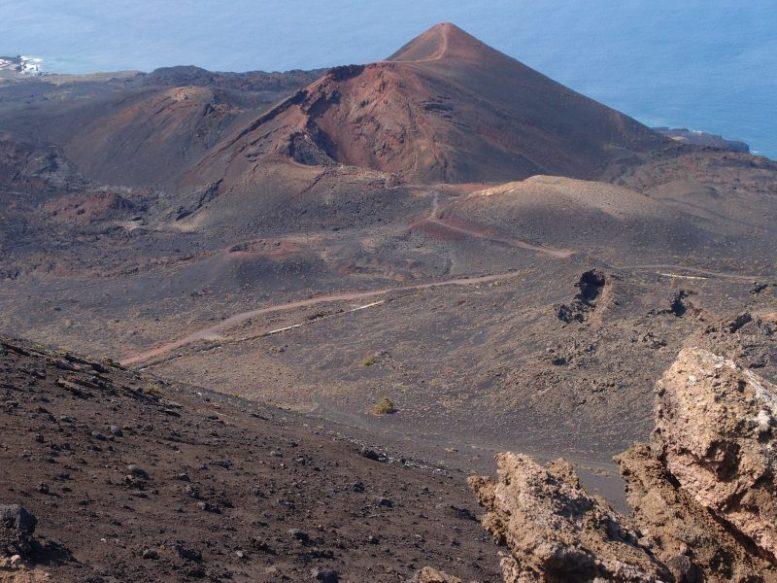 Vulkan Teneguia - Corona-Ausbruch