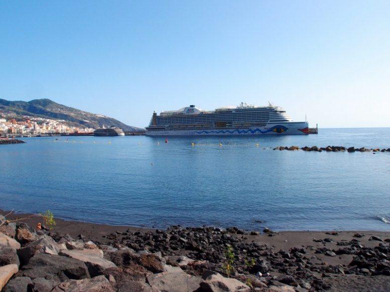 AIDA und World Voyager - Kreuzfahrt-Tourismus