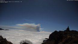 Rauchsäule - Eruptionskrater